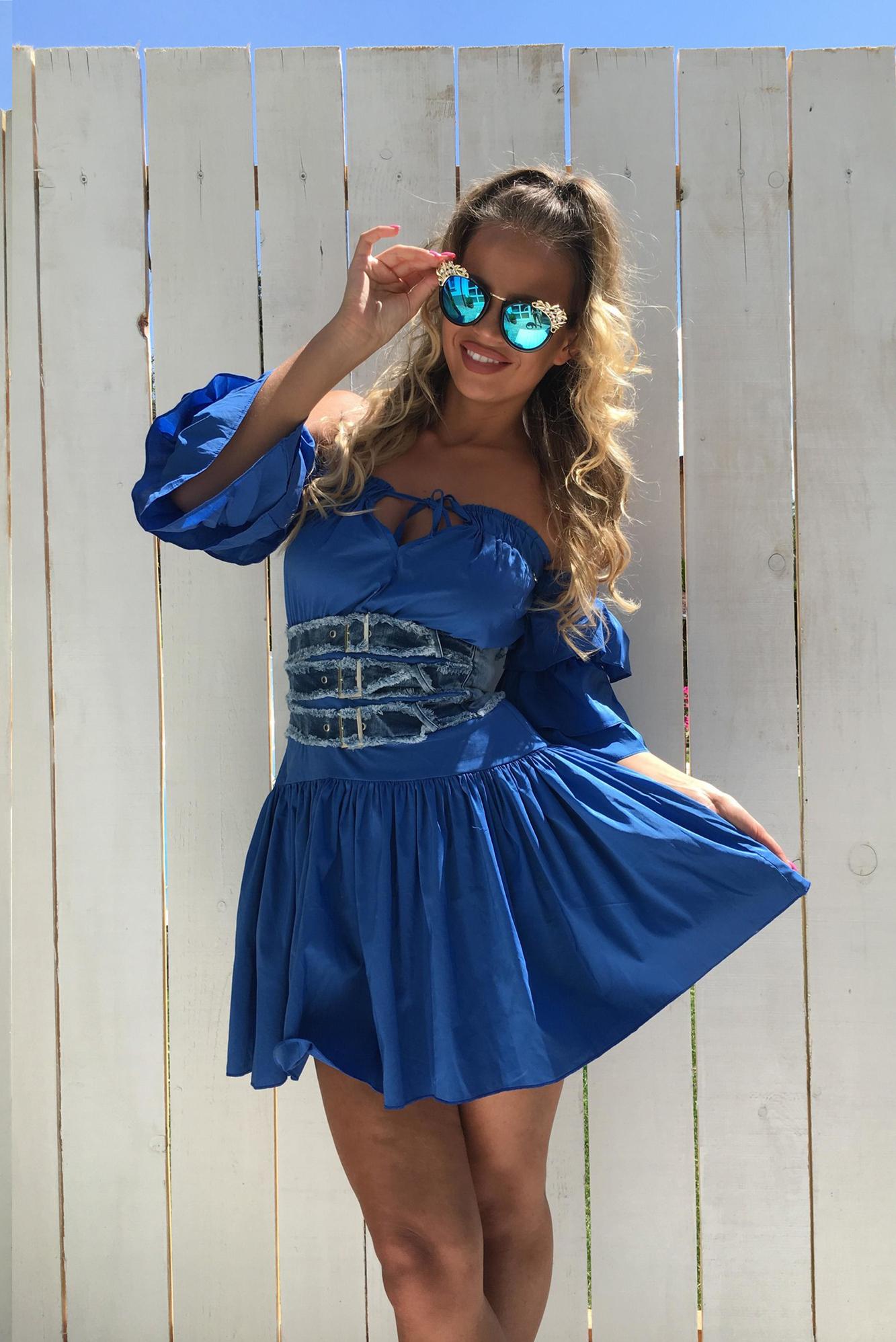 4818f0fc6 Dámske modré šaty Foggi s volánmi - S odporúčame pre XS - BOUTIQUE.SK