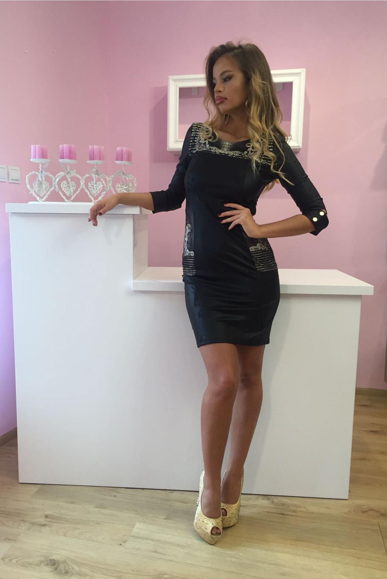 7e8f86765cf7 Luxusné dámske čierne šaty v imitácii kože s kryštálmi – 36 odporúčame pre  XS